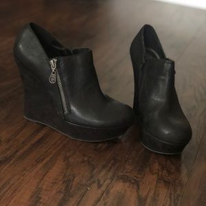 Guess wedge booties